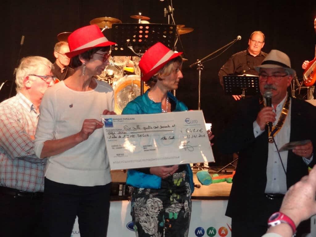 [ACTUALITE] Remise de chèque après le concert organisé par le Rotary Club Flers Condé au profit des jeunes autistes de l'IME Ségur
