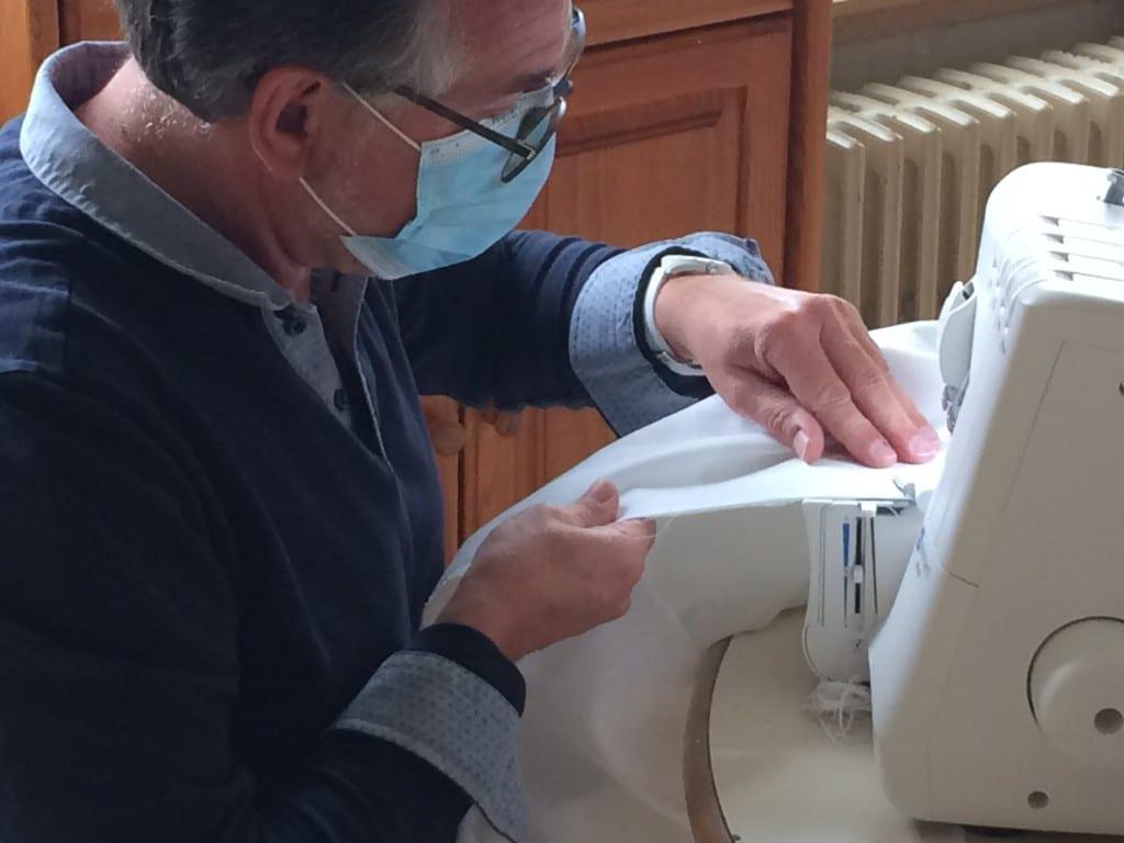 [SOLIDARITÉ] L'IME Marie Crué confectionne des surblouses pour le CMPR «La Clairière»