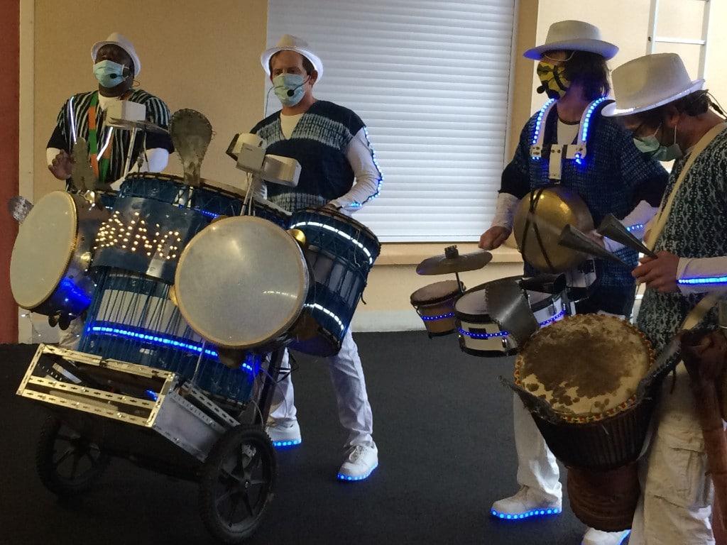 Spectacle de fin d'année rythmé et musical à l'IEM la Forêt pour fêter les fêtes de fin d'année
